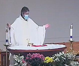 Priest at Mass_04172021_resize_crop